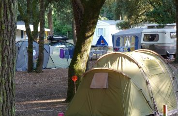 Camping<br>du Pied Girard<br>**
